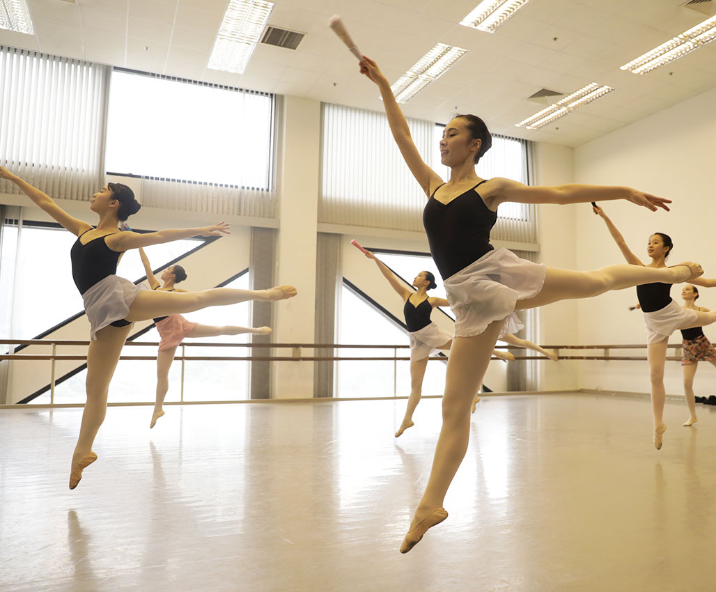 Advanced Ballet  (Conducted in English)